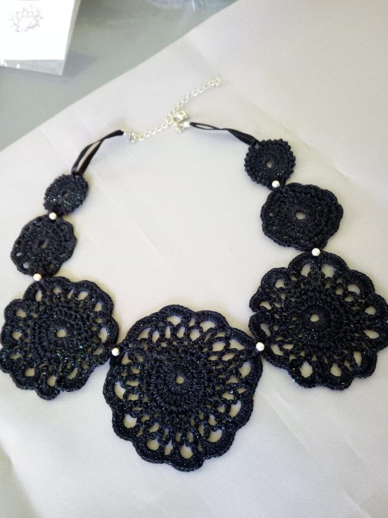 "Collana ""Crochet"" nera"
