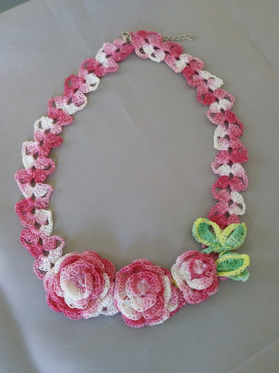 "Collana ""Crochet"" melange fucsia"