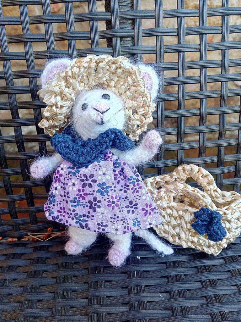 Mizzy, elegante topolino,  amigurumi