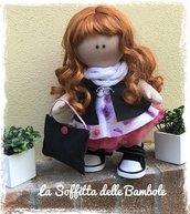 Sandra bambola in tessuto