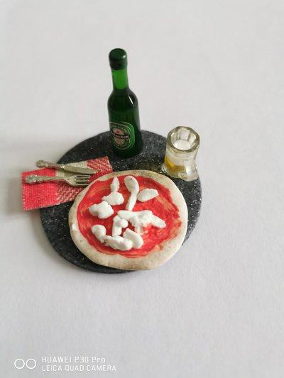 """miniatura """"pizza e birra"""""""