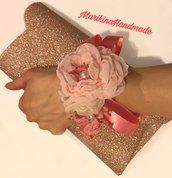Corsage floreale in stoffa / tessuto personalizzato