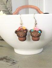 Orecchini orsetto cupcake in fimo, orecchini pasticcini al cioccolato