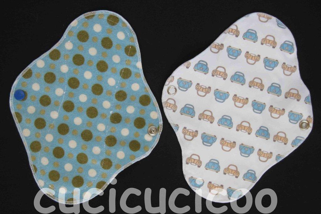 salvaslip impermeabile lavabile (pallini azzurri) / waterproof  AIO cloth pantyliner