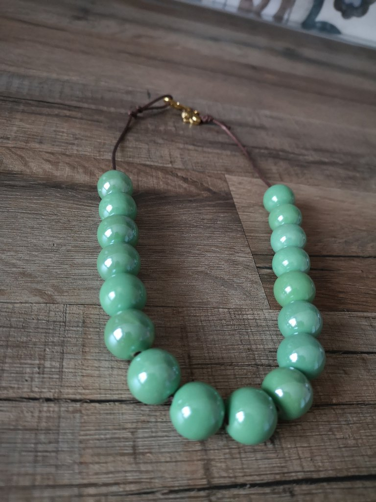 Collana verde menta