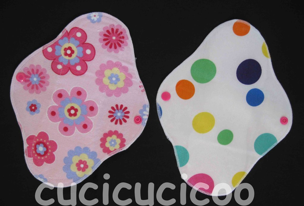 salvaslip impermeabile lavabile (fiori rosa vintage) / waterproof  AIO cloth pantyliner