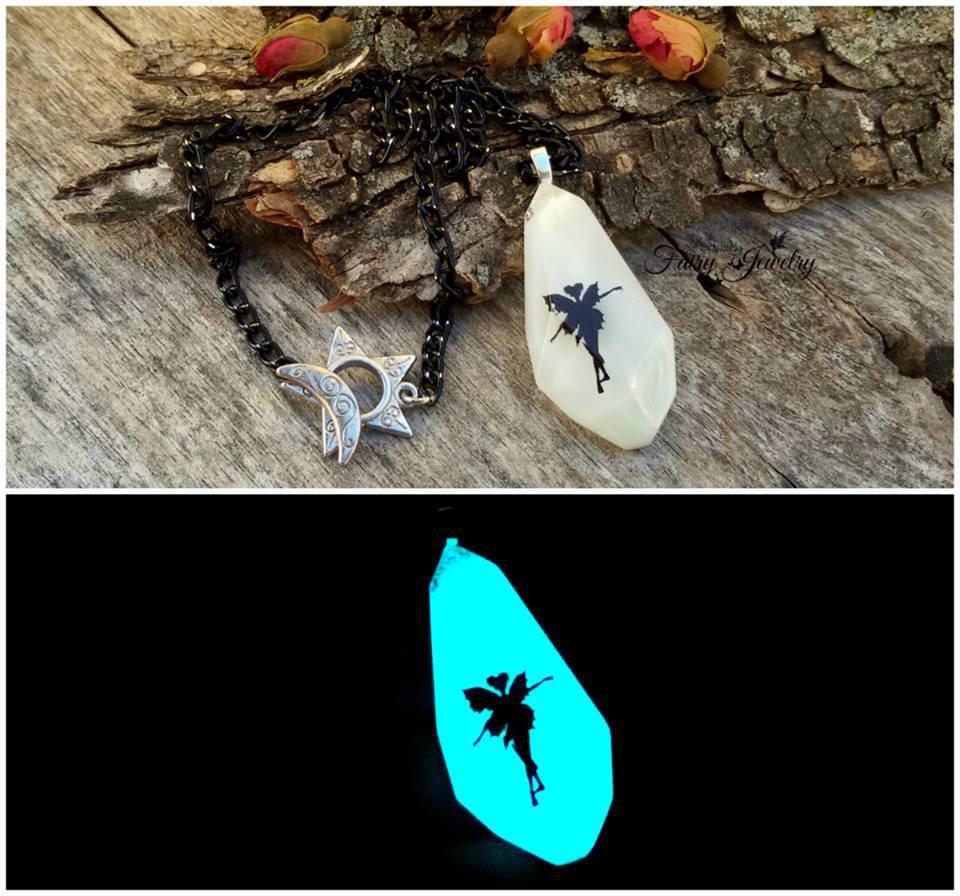 Collana pendente  fata si illumina al buio fluorescente bigiotteria gioielli fatti a mano artigianale