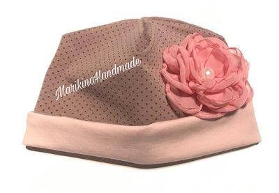Cappello reversibile in cotone neonata o bambina con applicato un fiore