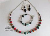 Parure: collana, bracciale, orecchini ( perle muticolor)