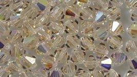 15 Cristalli Modello Bicono Swarovski 4mm Silk