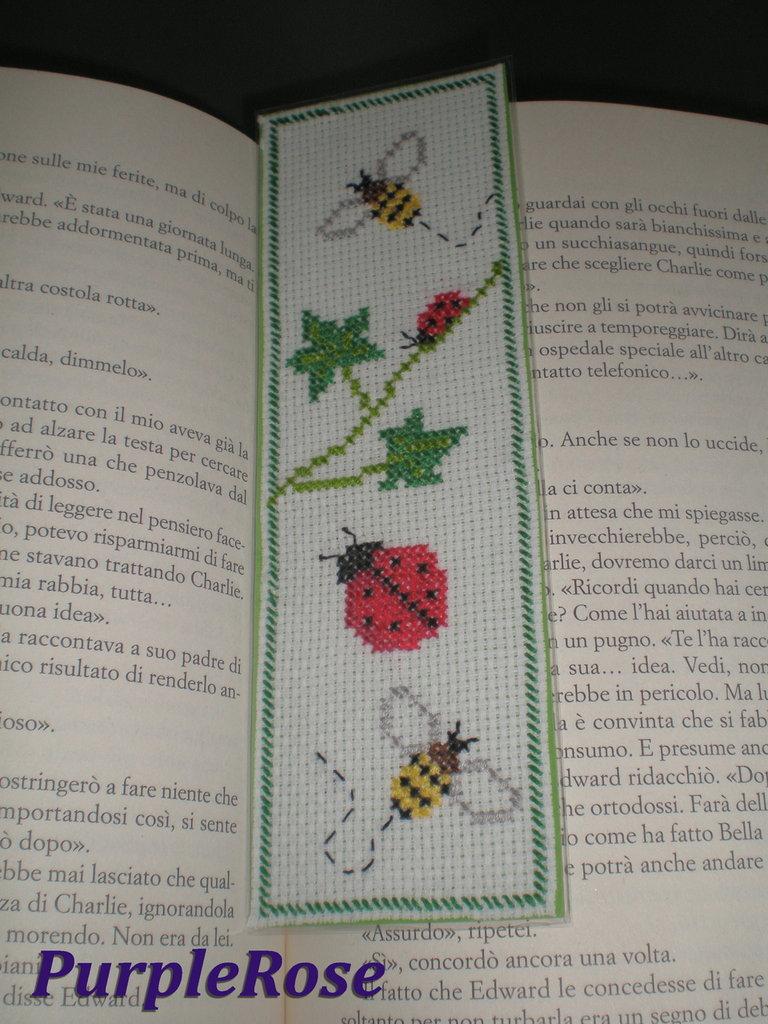 Segnalibro punto croce #1 Apette e Coccinelle