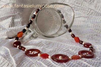 Collana di corniola e perle di fiume