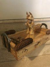 Vassoio schiaccianoci scoiattolo 🐿 di legno con manici di ferro di cavallo