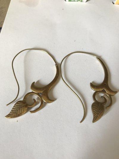 orecchini lunghezza media
