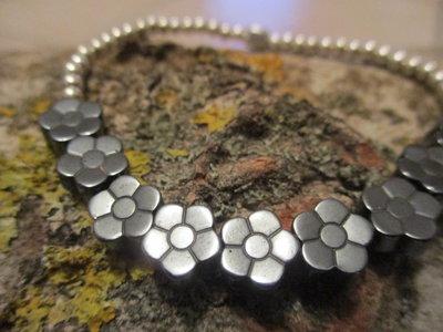 braccialetto argento e ematine nera