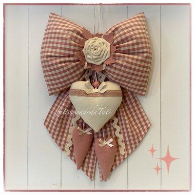 Fiocco nascita in cotone a quadretti rosa antico con rosellina e cuore di lino bianco panna