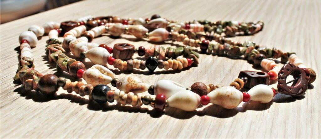Assemblage estate, lunga collana eclettica toni terra, collana con pietre dure, collier a due o tre giri, collana materiali misti, collana leggera, set collana con orecchini in regalo.