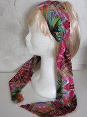 Fascia per capelli in tessuto a fantasia floreale montata su cerchietto rigido lunga 150 cm. e modellabile per diversi usi