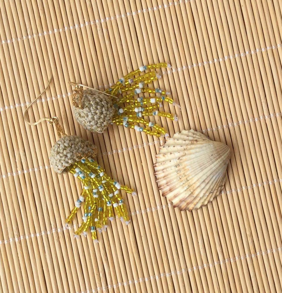 Orecchini Medusa con perline