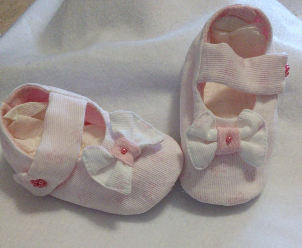 Scarpine neonata stoffa