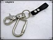 Portachiavi in cuoio nero inciso, moschettone extra lusso e gancio per chiavi a molla, cm.12, idea regalo - Italyhere