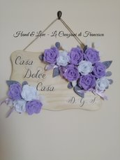 Targa fuoriporta decorata con fiori in feltro