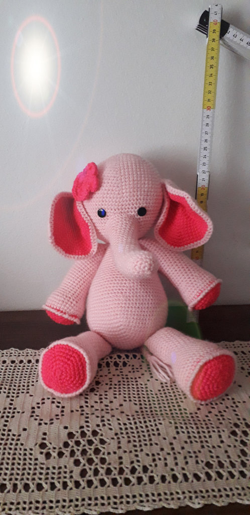 Elefantino rosa amigurumi.