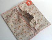 Portatorta, porta teglie o torte in stoffa, in beige  e arancione con fiori