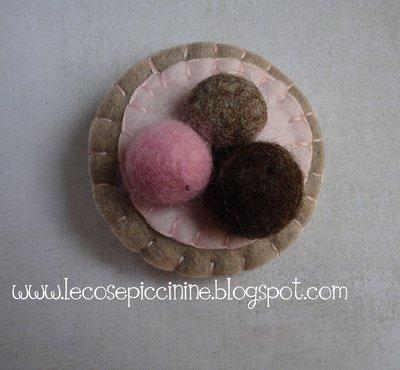 Fermaglio-spilla pallette