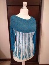 Mantella turchese in cotone con frange lavorata a maglia