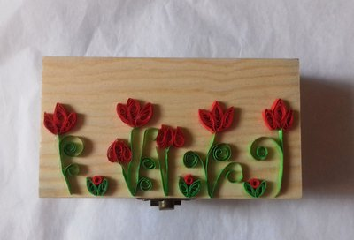 Scatola con fiori quilling