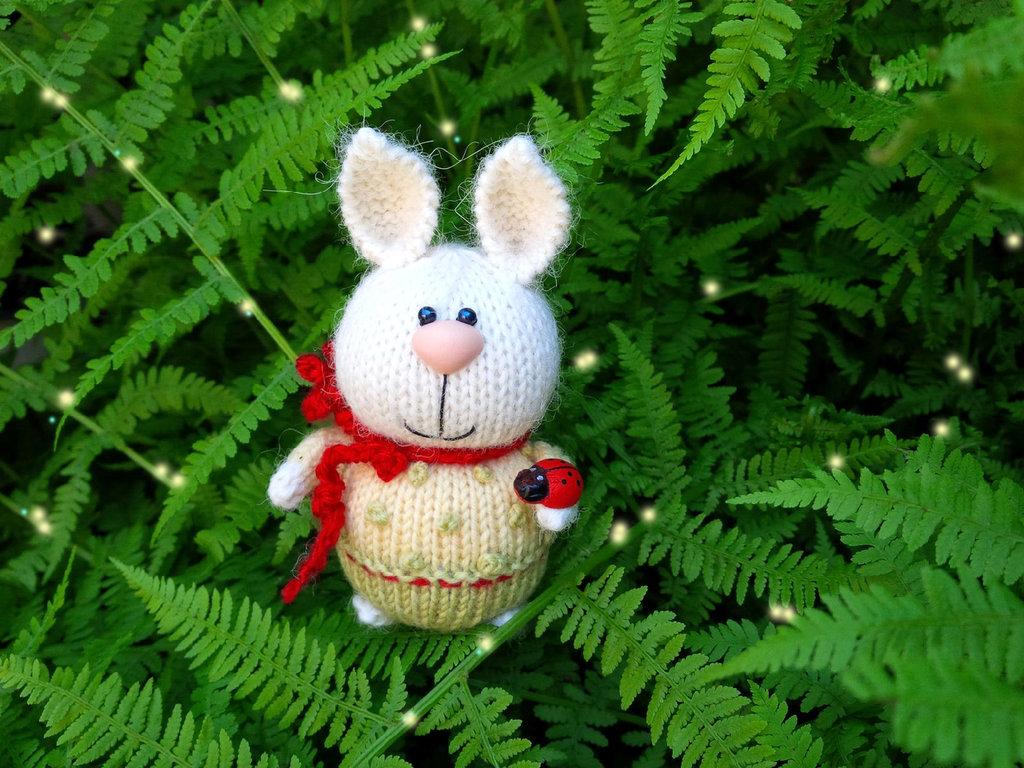 Bambola Conigliettо a maglia
