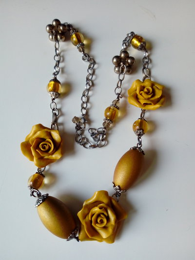 Collana rose pasta di mais