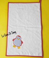 Asciugamano per bambini in spugna di cotone bianco con pinguino