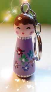Portachiavi peg dolls in legno dipinti a mano con acrilico e vernice protettiva - Altezza cm 6 - Figure femminili