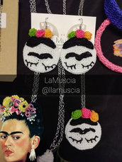 Orecchini cerchio Frida Kahlo