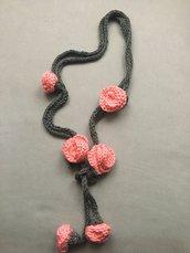 collana con boccioli rosa color salmone