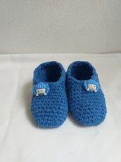 Scarpette neonato blu.