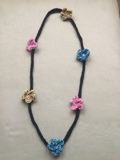 Collana - bracciale con fiori multicolore