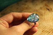 anello iridescente azzurro