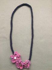 Collana - bracciale blu avio con 3 fiori
