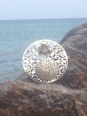 Collana bottone ed angelo.     Brand: Gaia