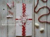 Partecipazione per Matrimonio in bianco e rosso, con la farfalla.