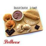 Miniatura dollhouse - Vassoio preparazione croissant - cornetti al cioccolato - idea regalo kawaii handmade - fimo 1:12