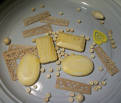 69 perle miste in legno