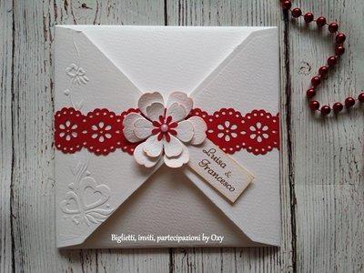 Partecipazione. Matrimonio. Rosso. Bianco . Fiori.