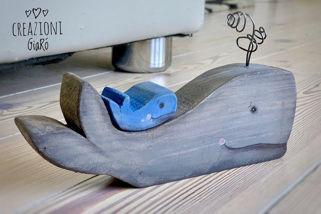 Balena in legno massello