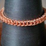 Bracciale maglie Queen's Link Chain colore rame lavorate con la tecnica chainmaille