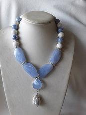 Collana corta perle di ceramica e scaramazza