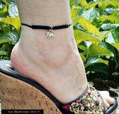 Cavigliera nera con nodi in Macrame'